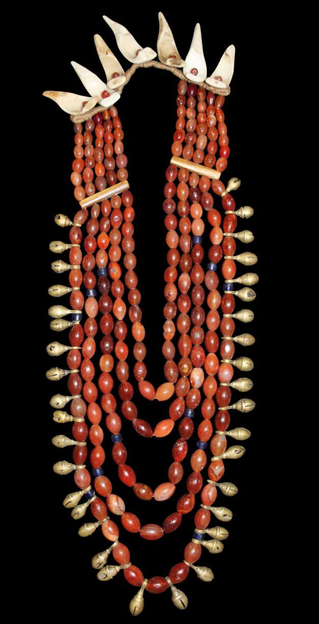ao-naga-wealthy-womans-necklace